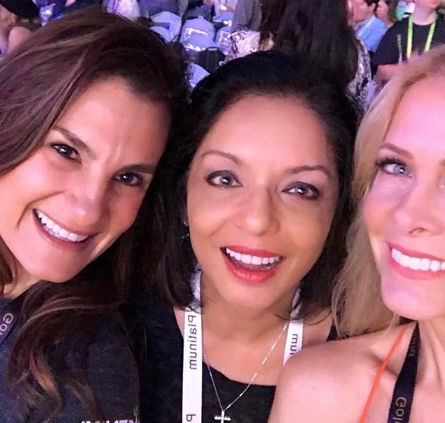 Having a blast with these gorgeous ladies!! weareinsagenix isagenix girltimehellip