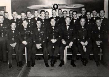 dad-second-row-military-group-shot