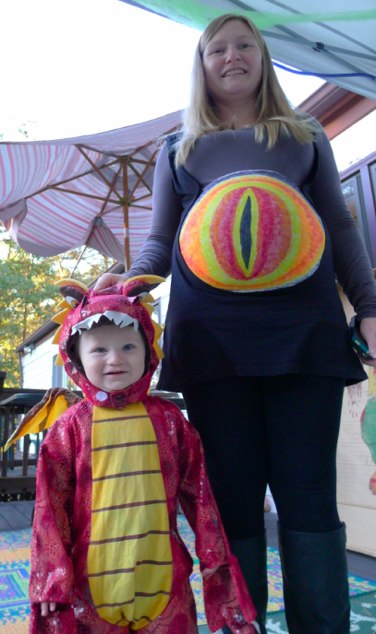 Eye of Sauron Maternity Costume and Smaug the Dragon
