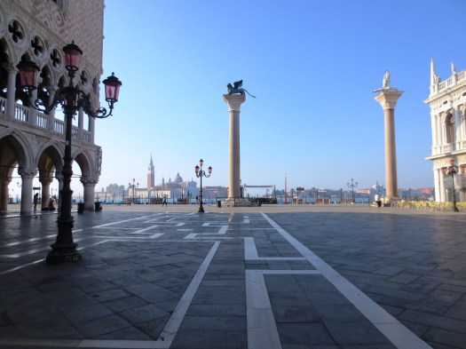 Early morning in the Piazzetta