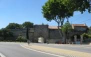 Noves town gate