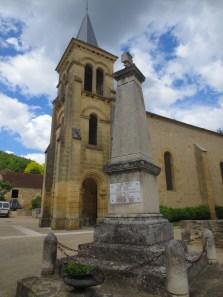 Saint-Vincent-de-Cosse memorial