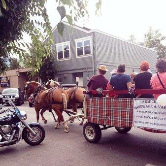 Horse-drawn wagon 2014