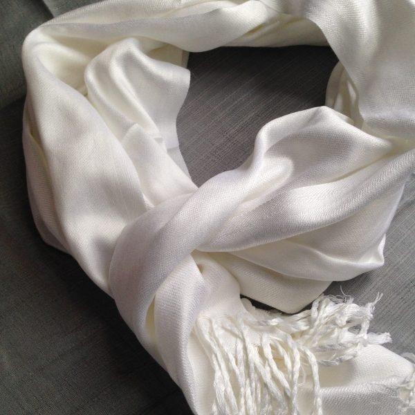 White sherocksabun Thai Pashmina scarf with one zippered pocket