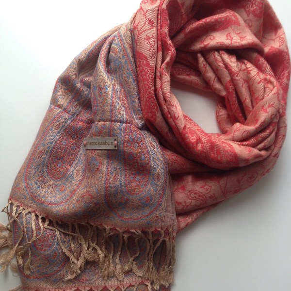 Red Latte pocket scarf by sherocksabun