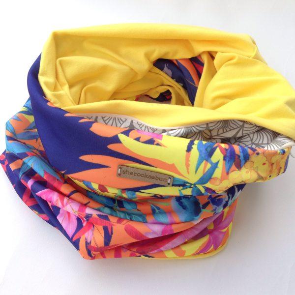 Autumn berries - yellow pocket scarf by sherocksabun
