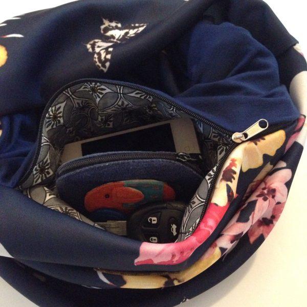 Dark blue florals pocket scarf - Tummansininen kukallinen taskuhuivi - mörkblå blomster scarf med ficka