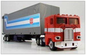optimus-prime_toy-01