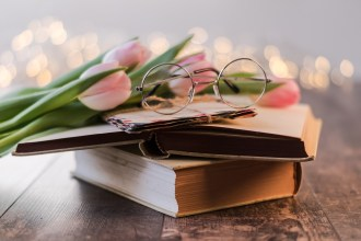 books-glasses-tulips