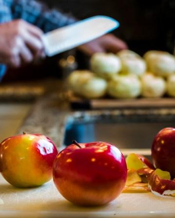 cutting-apples