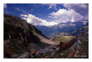 View from above Marhi, halfway up to Rohtang Pass
