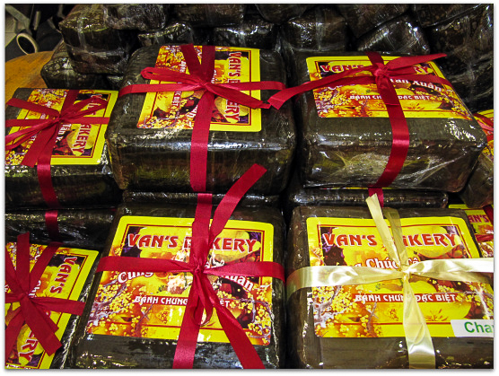 Banh chung is a tradition Tet gift