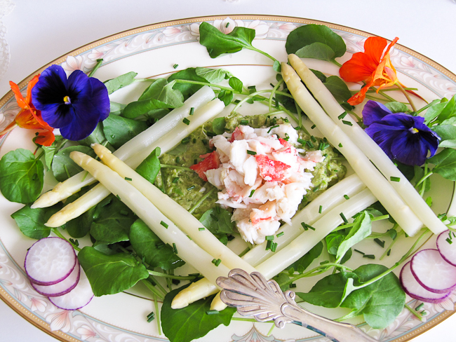 White Asparagus and Crab Salad