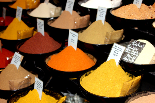 Spice market, spices as salt substitutes