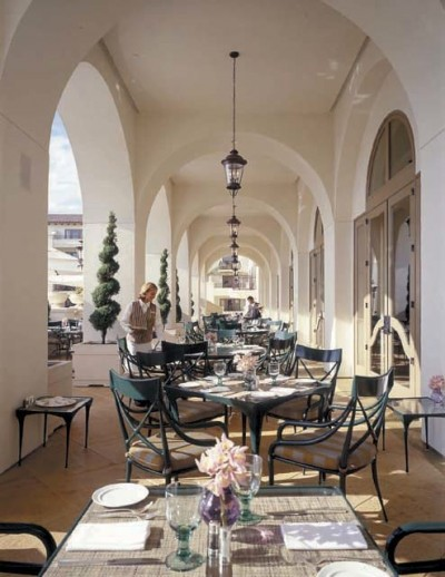 St. Regis, Sunday champagne brunch, Motif