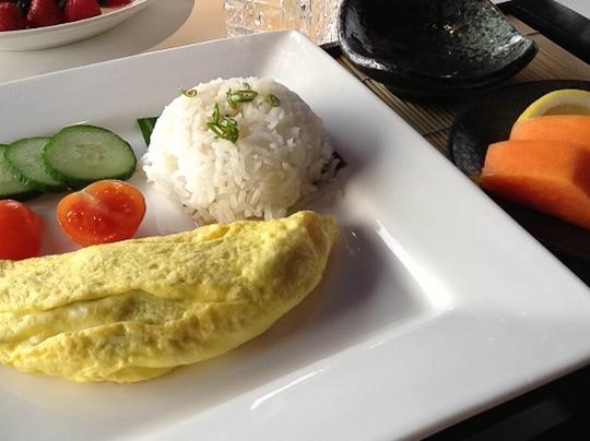 Thai omelette, Sheraton Hong Kong, ShesCookin.com