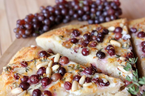 Champagne grape pizza, low fat pizza, low calorie pizza