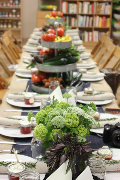 Nathan Turner, Thanksgiving table design