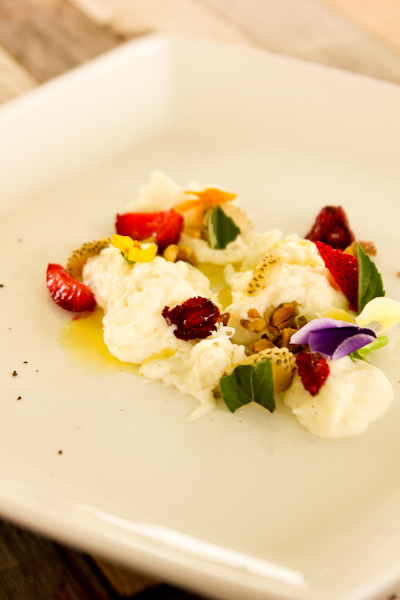 Strawberries & Di Stefano Stracciatella
