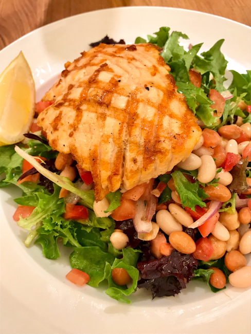 Salmon Salad with chickpeas, beans and