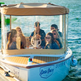 Lighthouse Cafe Offers Dock + Dine Delivered to Your Boat