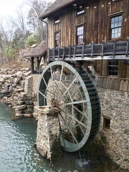 Working grist mill at Dogwood Canyon