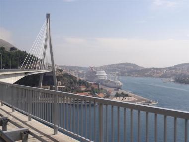 Aprocahing Dubrovnik