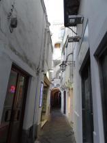 Alley Way, Capri