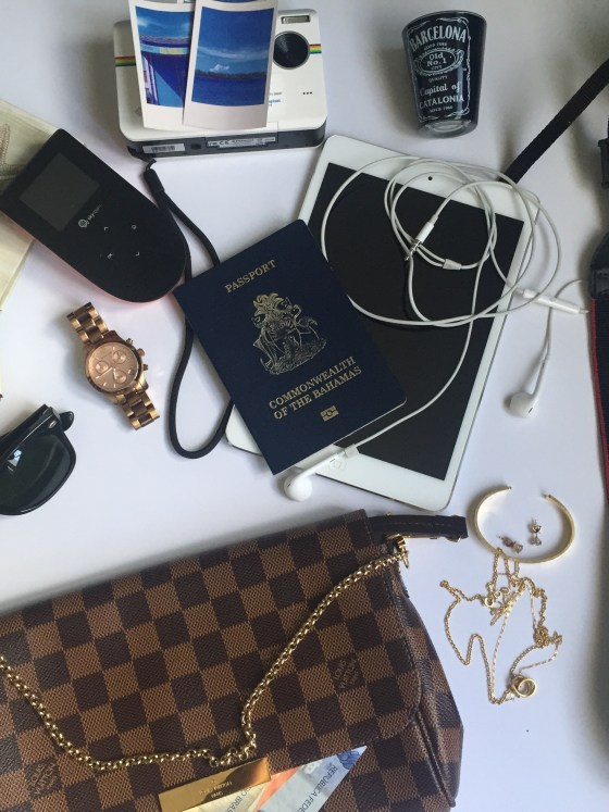 14 TRAVEL ITEMS I CANT LEAVE HOME WITHOUT