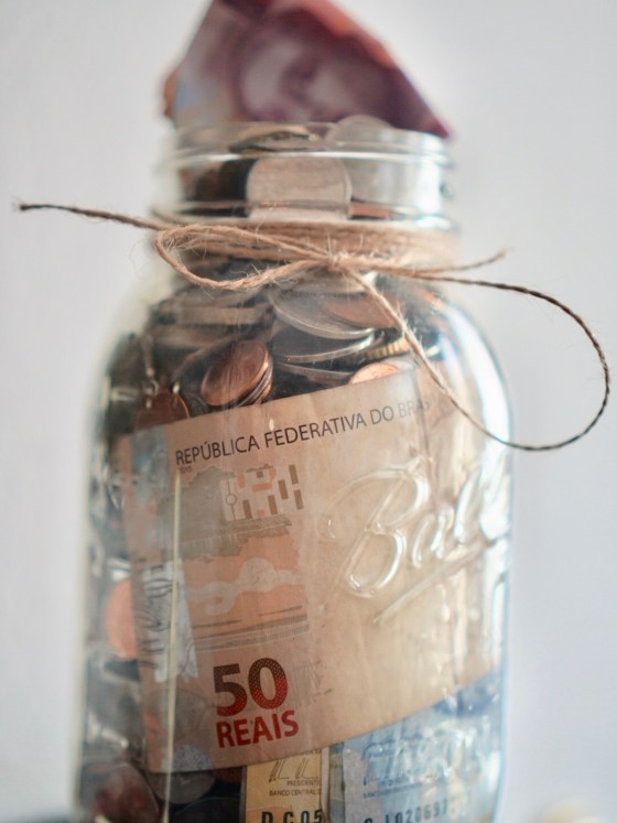 How To Save Money   SHESOMAJOR