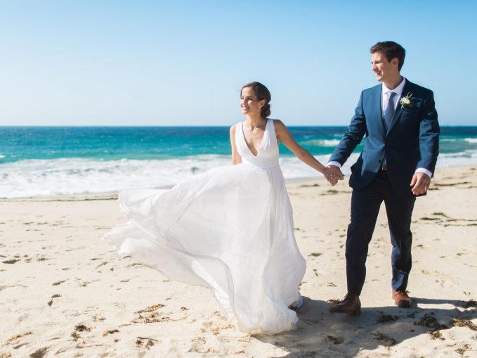 best-places-elope-garrapata-beach-big-sur-wedding-photo-wind