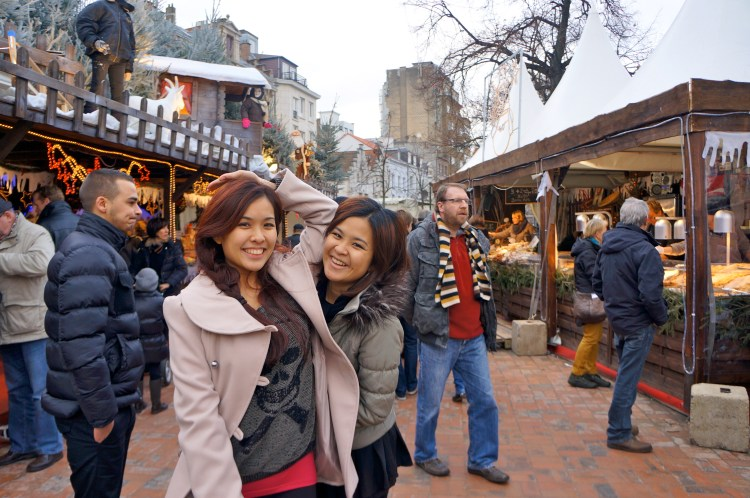 Things to do in Brussels - Christmas Market - www.shewalktheworld.com
