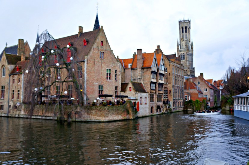 2858 161212 Walking Around Bruges and its Canals