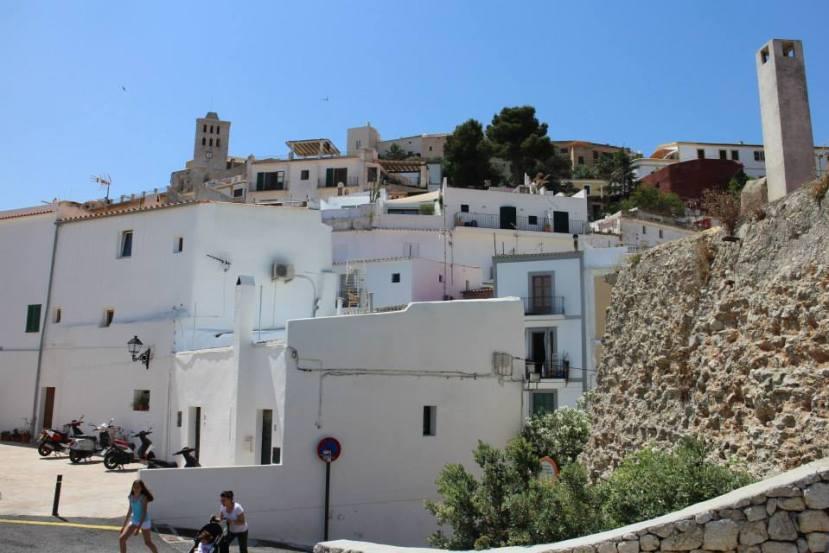 2466 010713 Ibiza's Old Walls