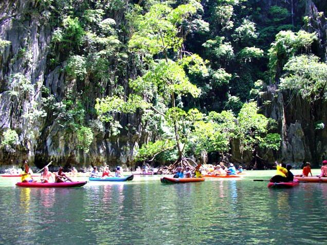 394 170906 Canoeing at Panak Island
