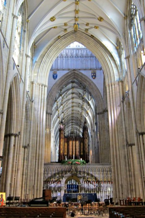 York Minster - Mynn's Top 10 Things to do in York - www.shewalkstheworld.com
