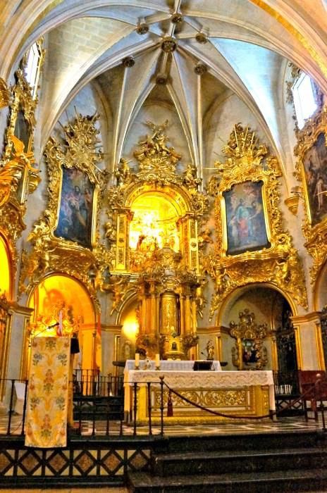 Basilica of Santa Maria - Alicante in One Day - www.shewalkstheworld.com