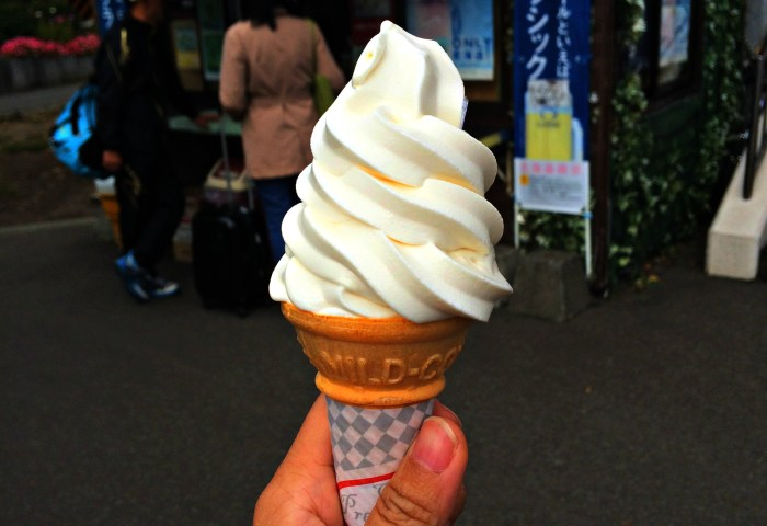 Ice Cream - Mynn's Top 10 Food to Eat in Hokkaido - www.shewalkstheworld.com