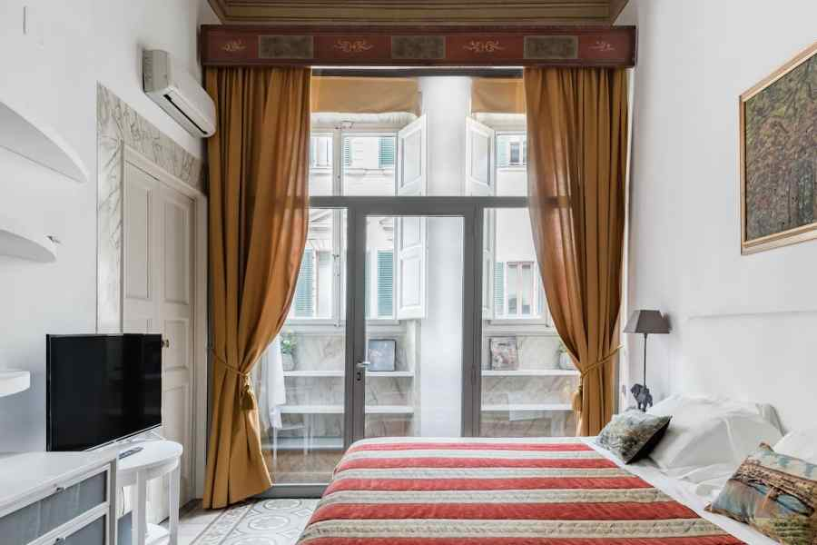 Cozy Converted Palace near Duomo with Jacuzzi