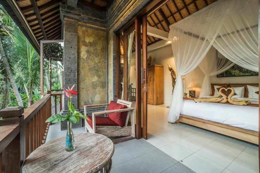 Private Artistic Villa with Jungle view
