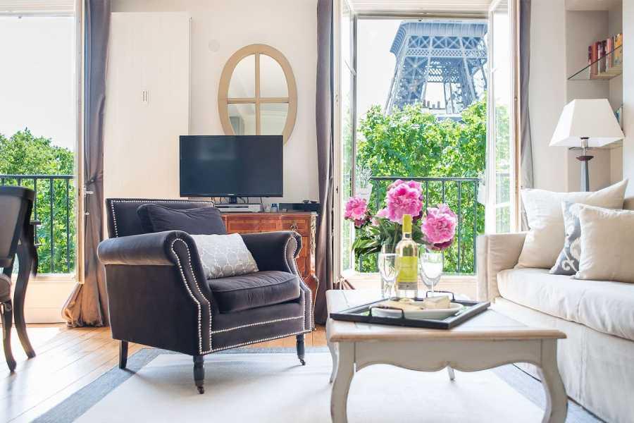 Amazing Eiffel Tower Views Paris Airbnb