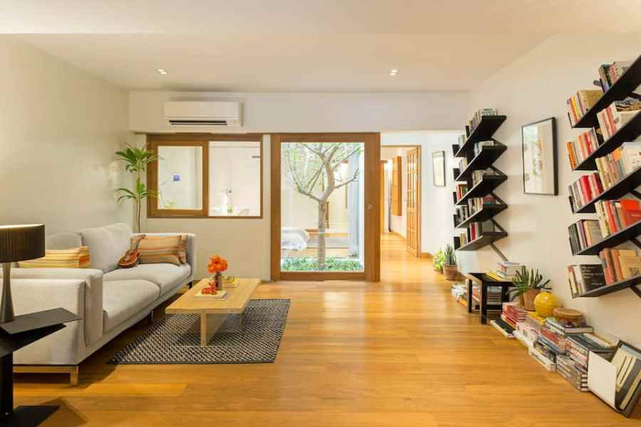 Charming Remodeled Apartment in Historical Oldtown