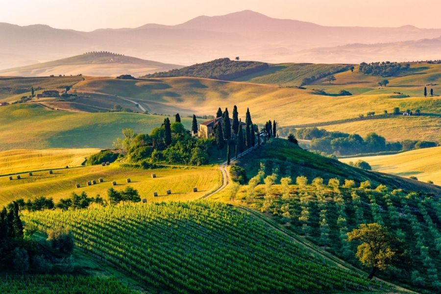 Tuscan countryside in Val d'Orcia, Italy