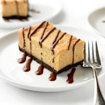 Chocolate Peanut Butter Cheesecake Bars Recipe | shewearsmanyhats.com
