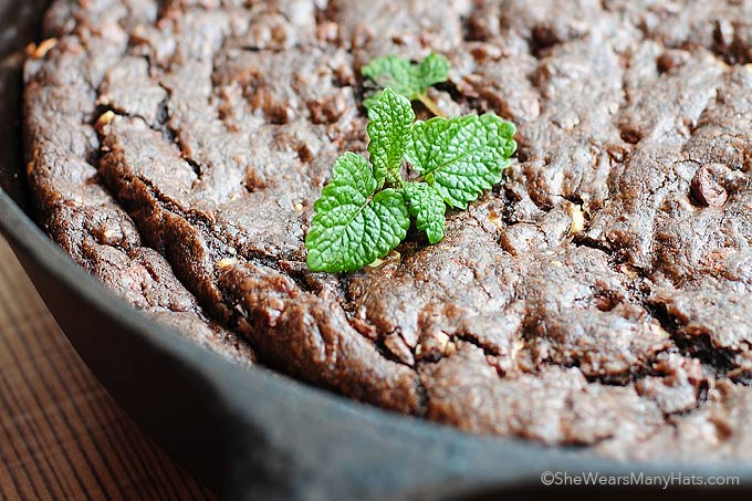 Chocolate Mint Skillet Cookie