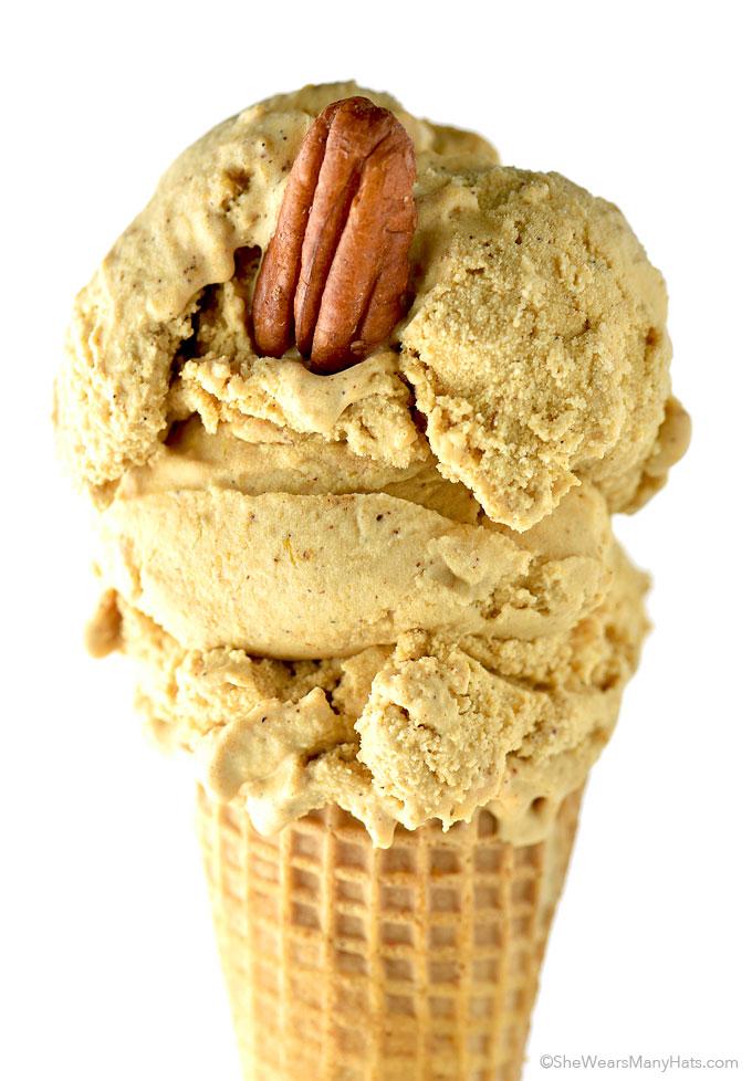 Homemade Pumpkin Ice Cream Recipe (eggless)