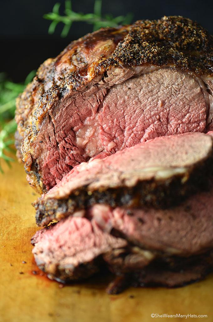 Prime Rib or Standing Rib Roast Recipe | shewearsmanyhats.com