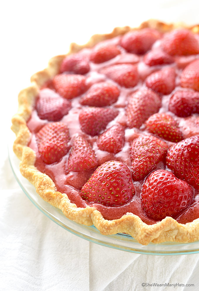 Fresh Strawberry Pie Recipe   shewearsmanyhats.com