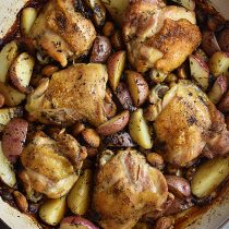 Chicken with 40 Cloves of Garlic and Potatoes Recipe