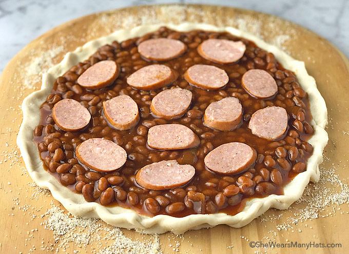 Easy Grilled Cowboy Pizza Recipe   shewearsmanyhats.com
